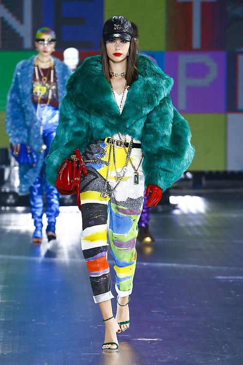 Claudia Gómez returns to fashion show for Dolce&Gabbana at Milan Fashion Week 17
